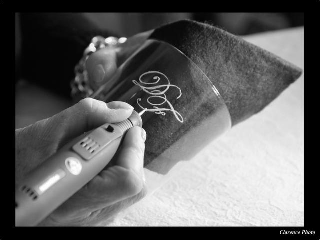 Gravure la pointe de diamant verreries des lumi res createur artisan ve - Verreries des lumieres ...
